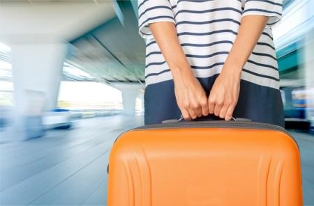 5 trucos para no pagar por documentar equipaje y app para medir maletas