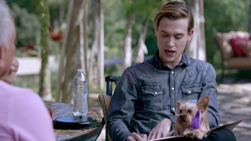 Celebra el Día Internacional del Perro con una programación especial en E! - cesar-millan-en-hollywood-medium-with-tyler-henry-e