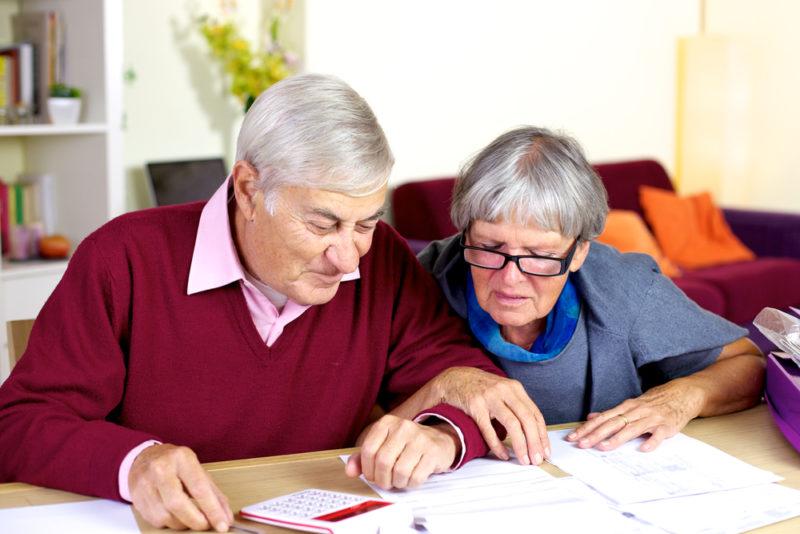 Estos son los mejores productos financieros para adultos mayores - credito-tercera-edad-800x534