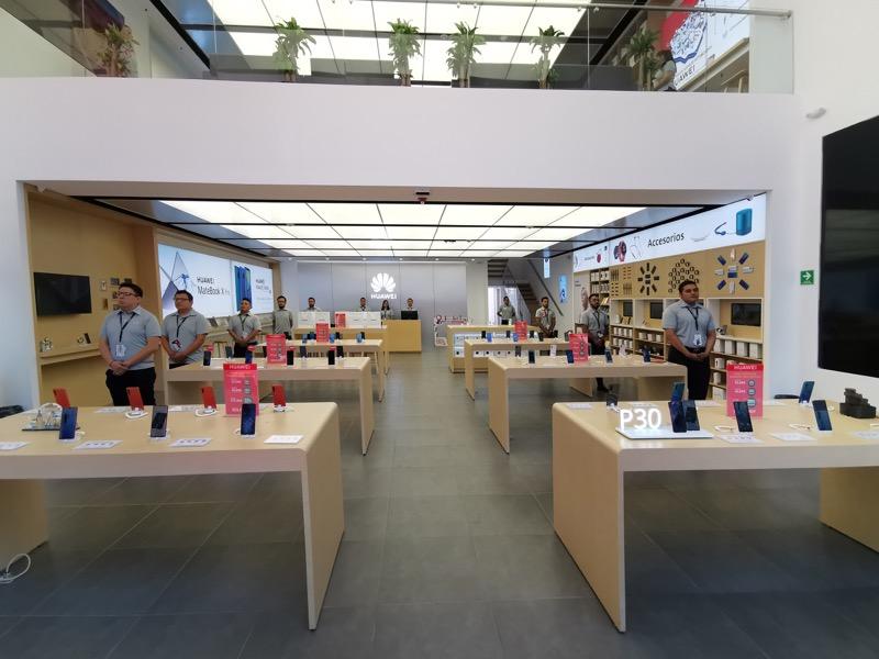 Huawei inaugura 9 nuevas Huawei Experience Stores en México - huawei-experience-store_8-800x600