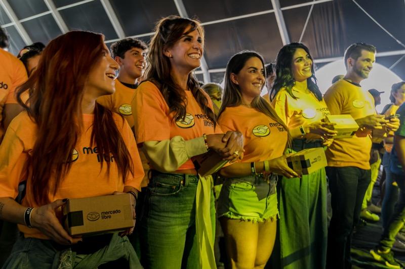 Mercado Libre celebra su 20 aniversario rompiendo una marca de Guinness World Records - invitados_20-ancc83os-mercado-libre-800x533