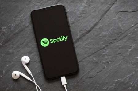 Spotify en iOS añade soporte para Siri en más reciente beta