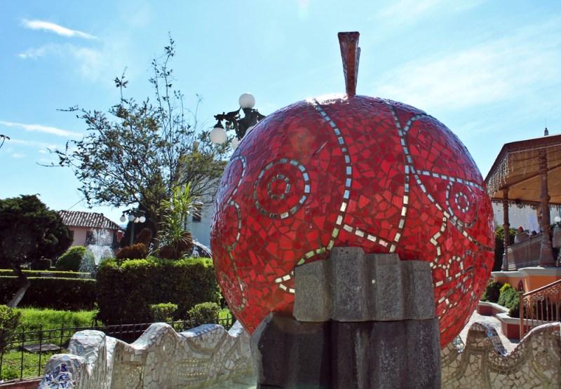 Los 4 pueblos mágicos de México más patrios - zacatlan-de-las-manzanas-800x555