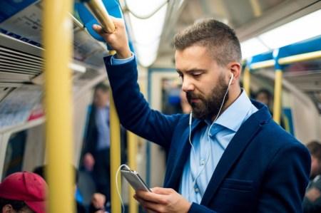 5 apps ideales para aprovechar el camino al trabajo