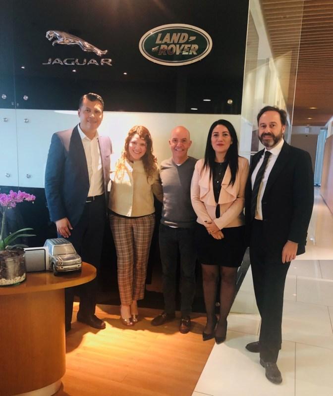 Jaguar Land Rover México celebra los 30 años de Fisher's firmando una alianza de patrocinio - jaguar_land_rover_fishers-672x800