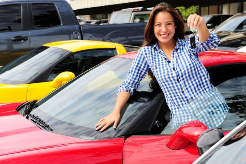 Renta de autos y descuentos de hasta el 50% para Black Friday