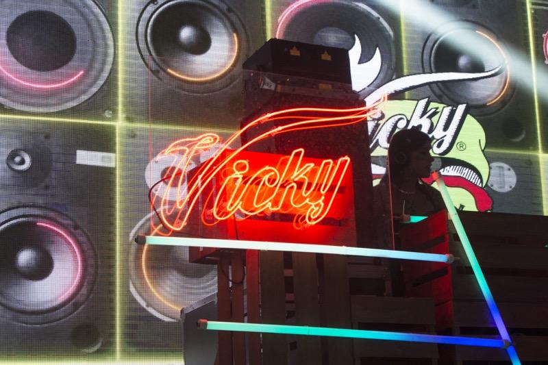 Cerveza Victoria lanza la nueva Vicky Chamoy - vicky-800x533
