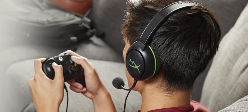 Selección de periféricos gamer para este Día del Niño - headset-cloudx-chat-1
