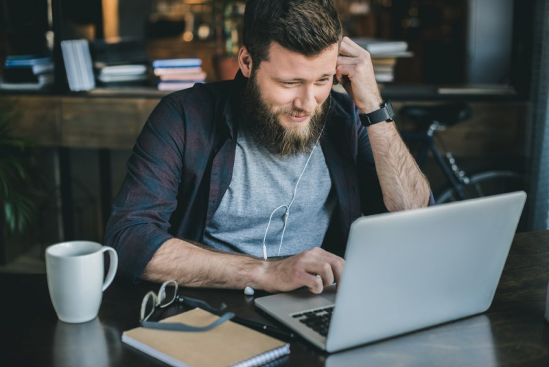 8 recomendaciones de LinkedIn para trabajar en casa de forma productiva - linkedin-para-trabajar-desde-casa-800x534