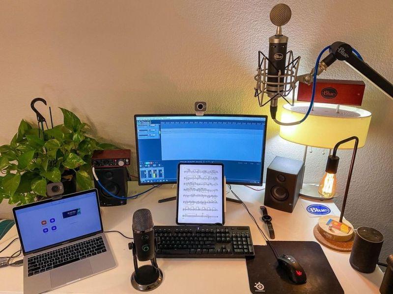 Casters, narrador de eSports ¡la profesión del futuro en México! - casters-blue-microphones