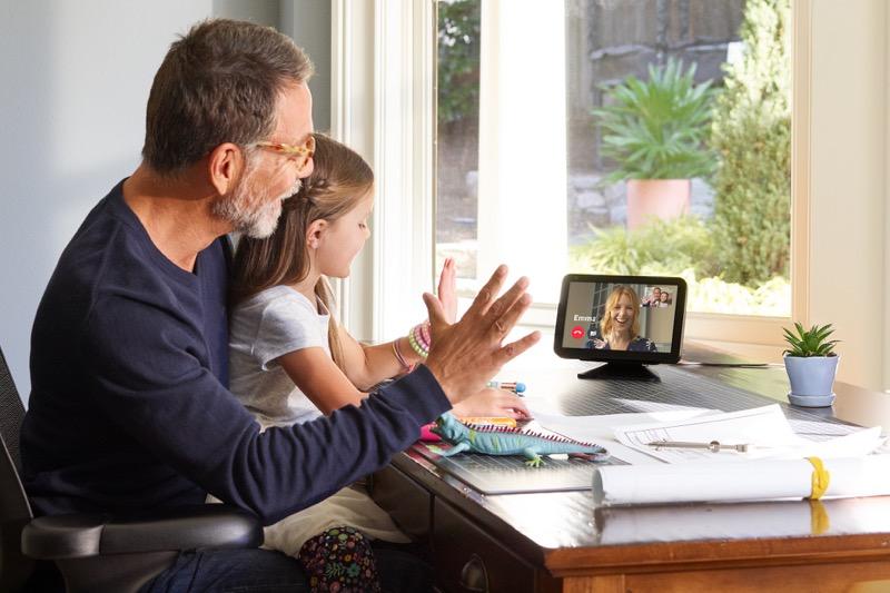 Consigue el gadget ideal para papá que lo ayudará en sus actividades diarias - dia-del-padre-amazon-1-800x533