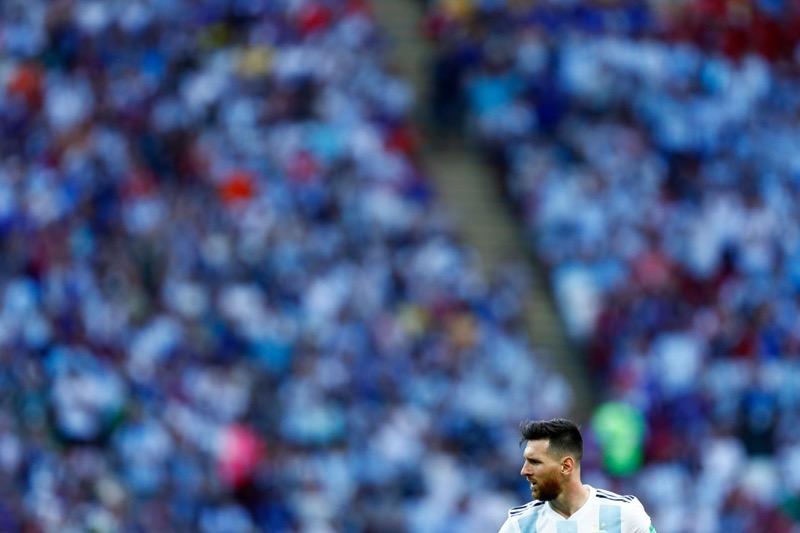 adidas escucha a la superestrella del fútbol, Leo Messi, sobre su regreso al fútbol - messi1-800x533