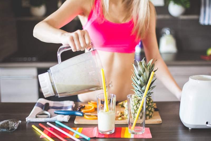 El ejercicio en casa dispara al doble la compra de proteínas en Mercado Libre - protein