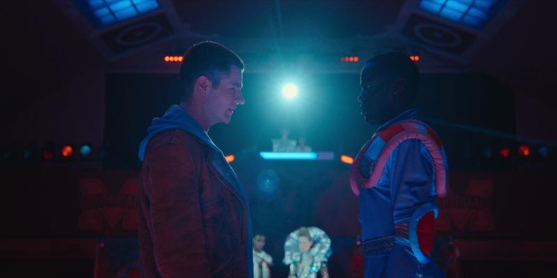 GLAAD y Netflix celebran a los personajes y series LGBTQ - sex_education__season_2_episode-800x400
