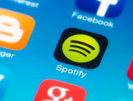 Función letras llega a Spotify, ¡Ahora podrás cantar tus canciones favoritas leyendo la letra!