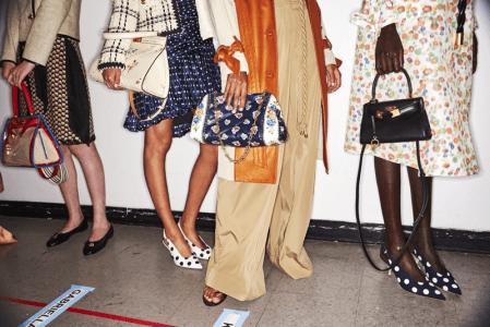 Small but cute: los bolsos de la colección primavera/verano 2020 de Tory Burch