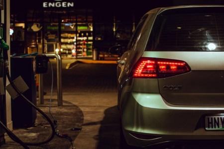 Estos son los autos con mejor rendimiento de gasolina en México