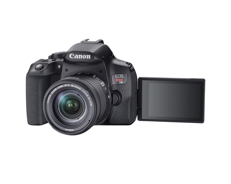 EOS Rebel T8i de Canon, la primera cámara EOS réflex con grabación de video vertical - hr_eost8i_slant_efs18_55mm_lcdout