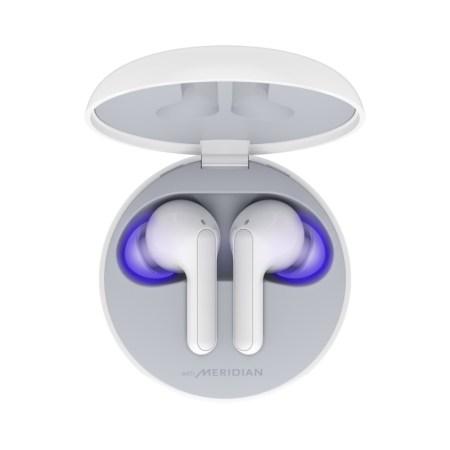 Nuevos LG TONE Free con MERIDIAN Audio y exclusiva función que los desinfecta mientras se cargan