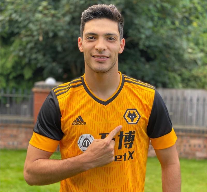 Los Wolves presentaron su uniforme titular para la campaña 2020/2021