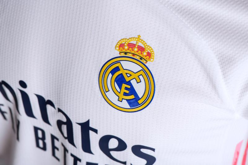 adidas presenta uniformes de clubes internacional para la temporada 2020/21 - jersey_real_madrid_1