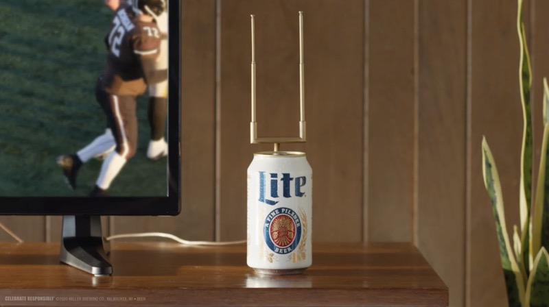 Vea fútbol americano con antena que también sirve cerveza - miller-lite-cantenna_cantenna_clean-800x448