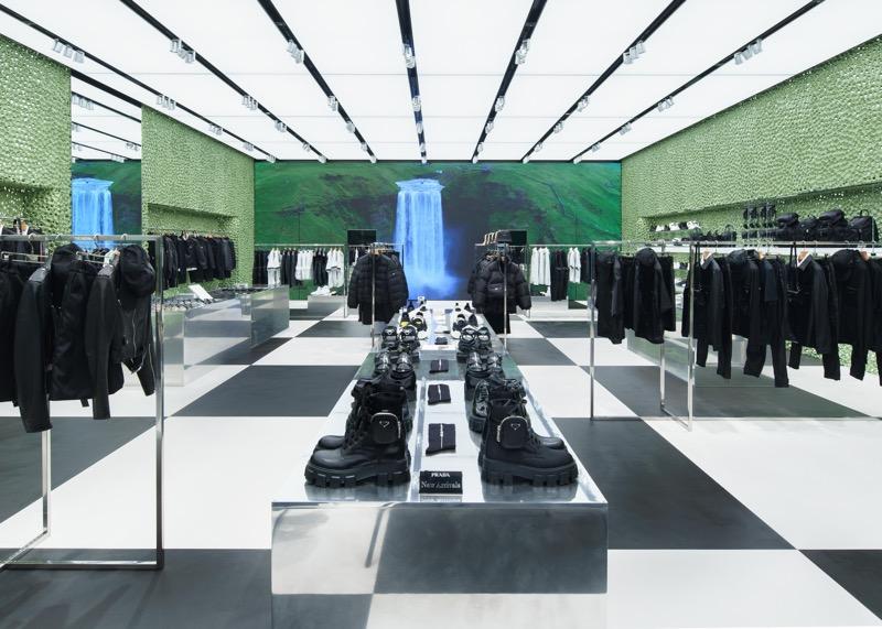 Prada inaugura nueva boutique en Tokio en Miyashita Park - prada-miyashita-park_06