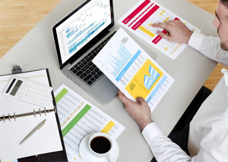 ¿Por qué es importante separar tus finanzas personales de las de tu empresa? - finanzas-personales-empresa-800x568