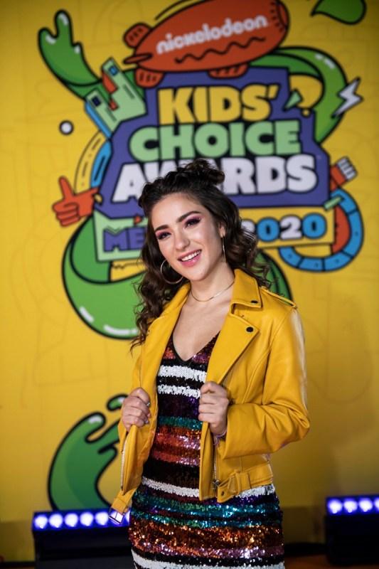 Ganadores de los Kids' Choice Awards México 2020 - kids-choice-awards-mexico-2020_kca-mexico-2020-alfombra-naranja-chino-lemus105-533x800