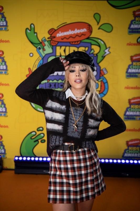 Ganadores de los Kids' Choice Awards México 2020 - kids-choice-awards-mexico-2020_kca-mexico-2020-alfombra-naranja-chino-lemus114-533x800