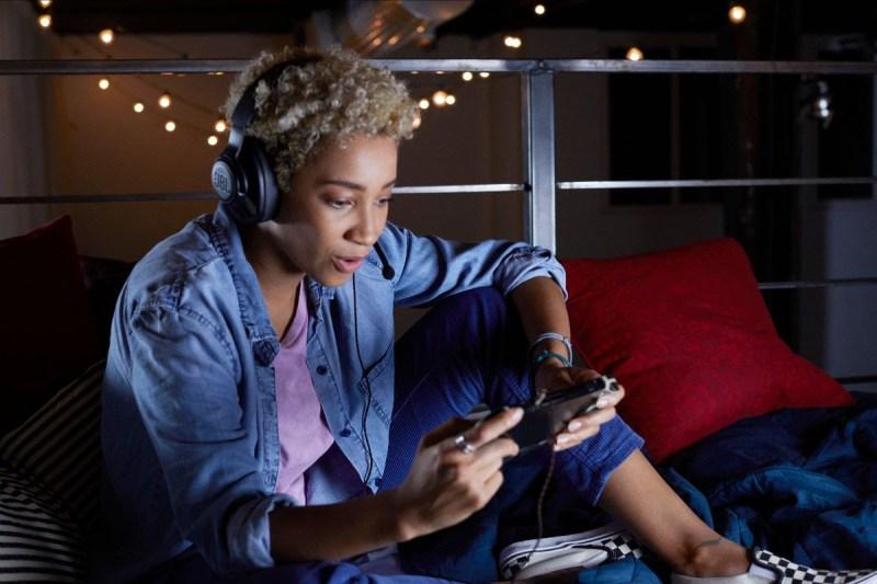 ¿Qué audífonos necesitas este 2021 según tu estilo de vida? - jbl_quantum