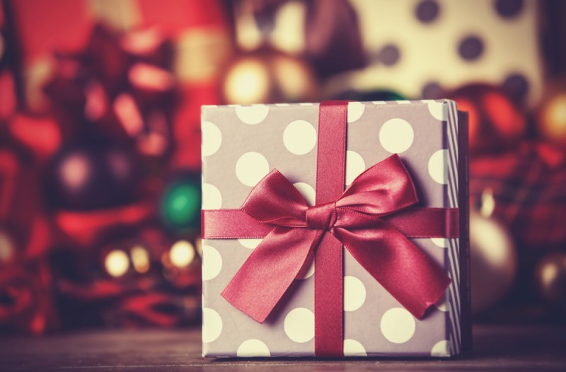 Cinco ideas de regalos para navidad con tecnología en el cuidado personal y del hogar - regalos-de-navidad-800x526
