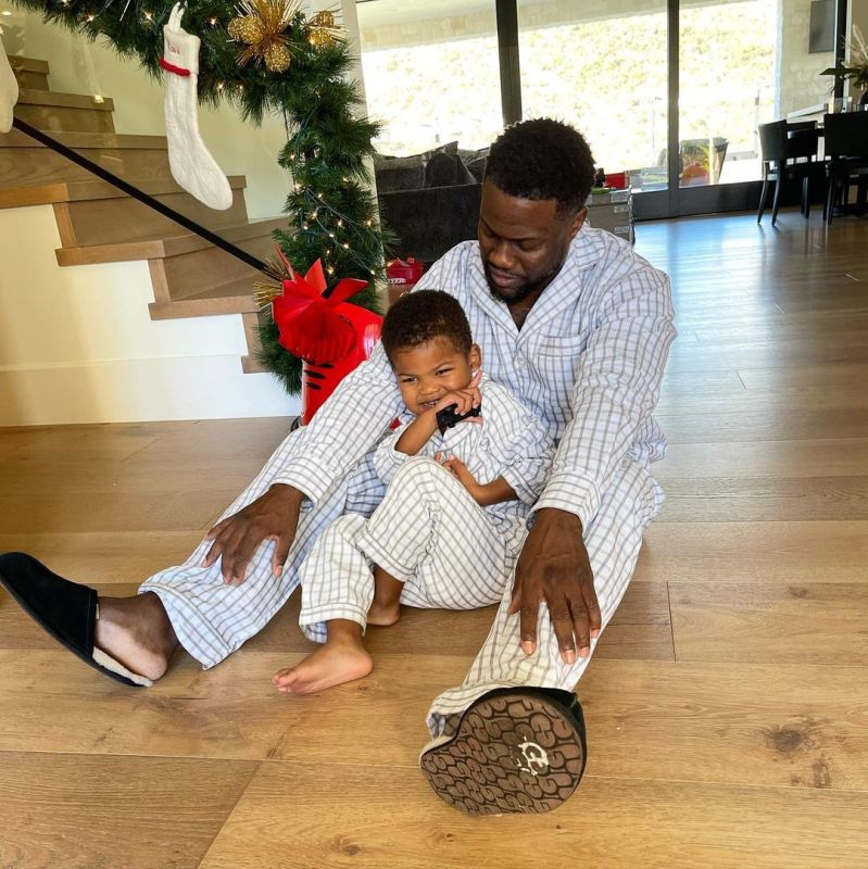 Spotted! celebridades que usaron las slippers de UGG esta navidad - slippers_scuff_ugg