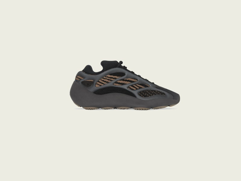 adidas + KANYE WEST anuncian el lanzamiento de YEEZY 700 V3 Clay Brown - yeezy_700_v3_clay_brown_yeezy_700_v3_clay_brown-800x601