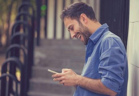 ¿Por qué y cómo debes contactar a tus clientes mediante mensajes?