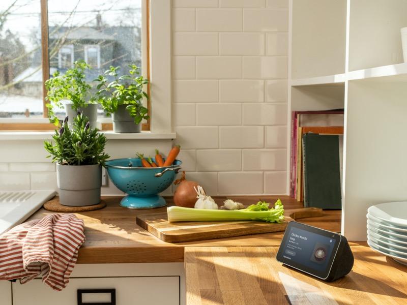 ¡Alexa te acompaña para que te prepares para el Gran Juego! - echo-show-5-kitchen-sm