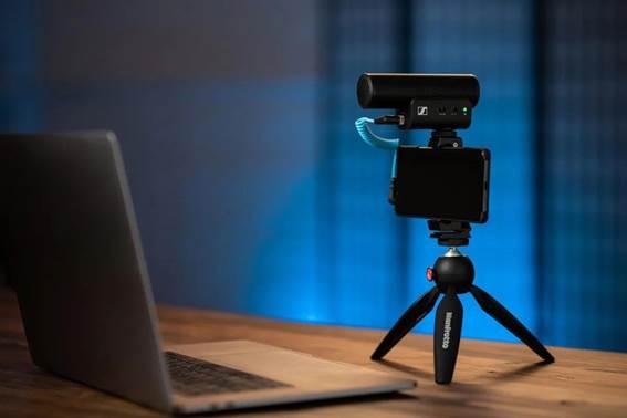 Sennheiser lanza MKE 400: micrófono para grabar audio profesional con smartphones o cámaras portátiles - mke-400