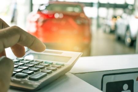 ¿Vas a comprar un auto a crédito? Tienes que saber esto