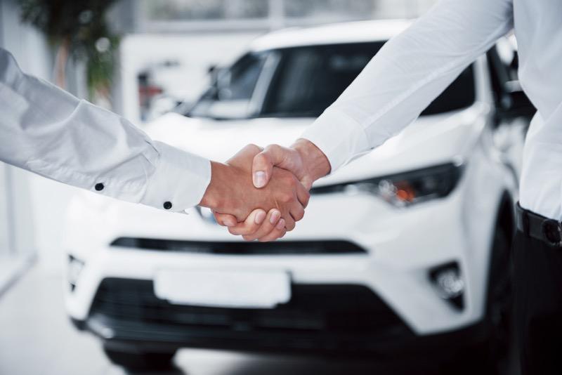 Ventajas de un Auto seminuevo premium y de un premium nuevo