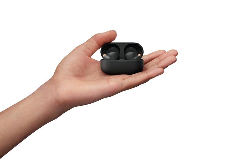 Sony lanza nuevos earbuds WF-1000XM4, de la aclamada serie 1000X - sony-earbuds-wf-1000xm4-b-hand-8000-large