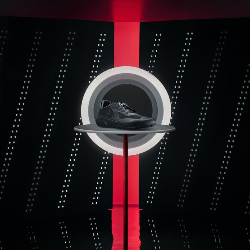 adidas y Prada lanzan dos nuevos colorways en el A + P LUNA ROSSA 21 - adidasforprada-fw20-lunarossa21-g57868-features-2-1x1-781739-800x800