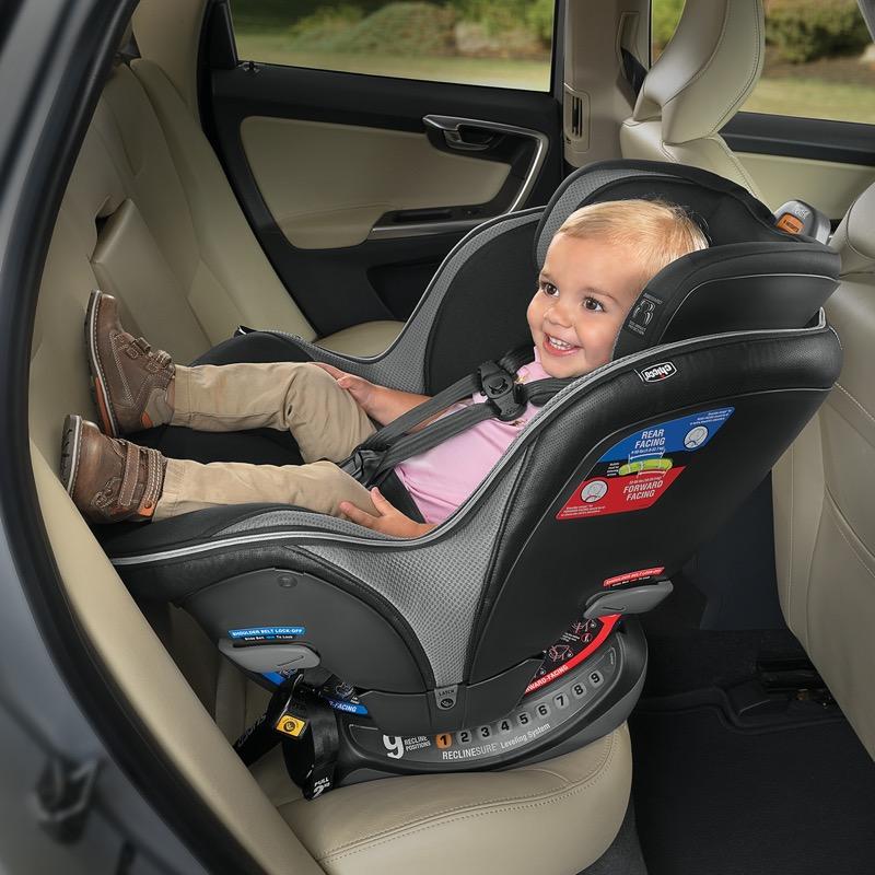 Reglas básicas para que los niños viajen seguros en coche - nextfit-chicco-800x800