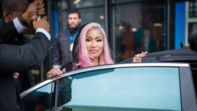 NICKI MINAJ SE RATE ROYALEMENT A BORDEAUX 2