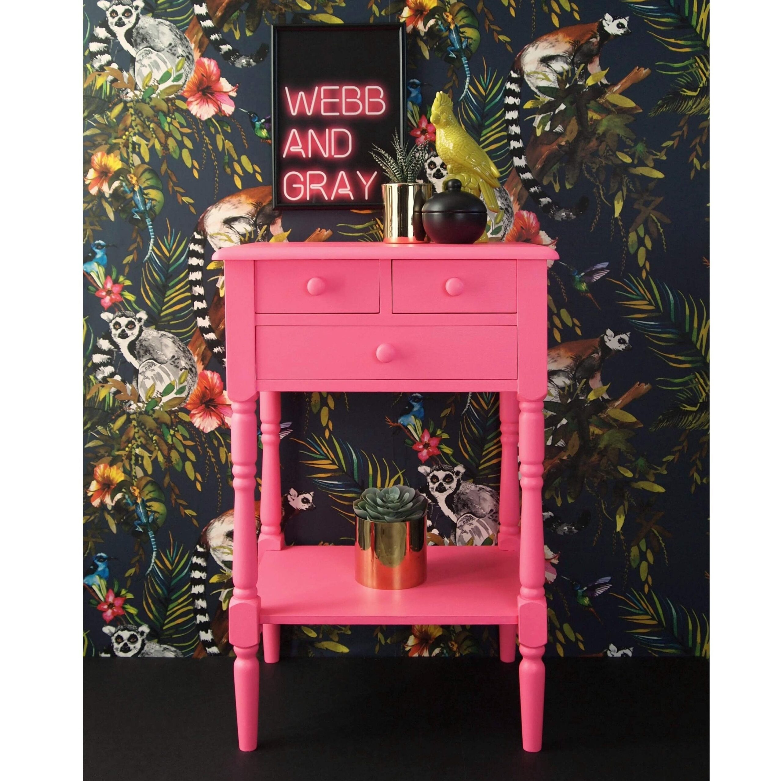 Lilly The Pink - Neon Pink side table