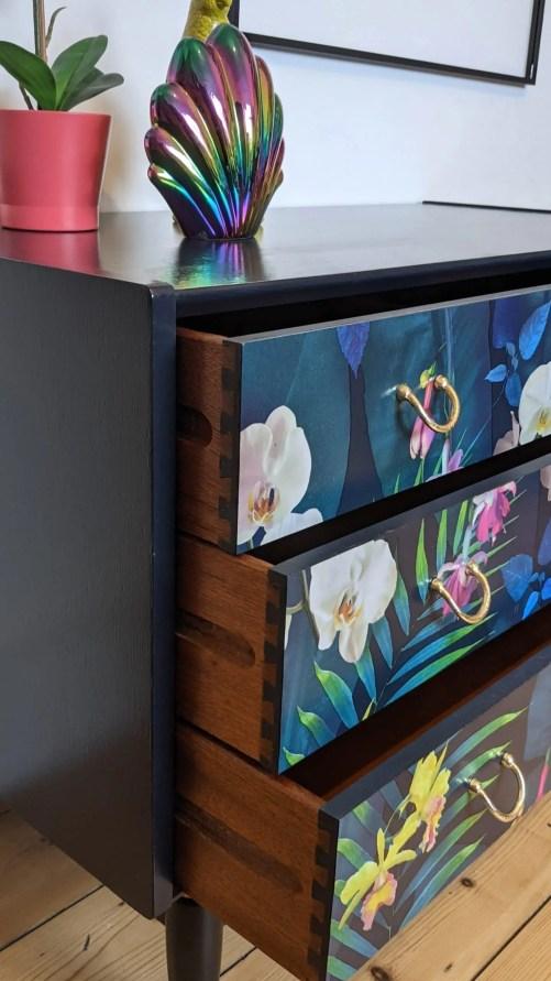Carmen, drawers