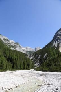 Blick über den Moserbach ins Mosarkar