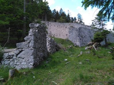 Mauerrest der Portaclaudia