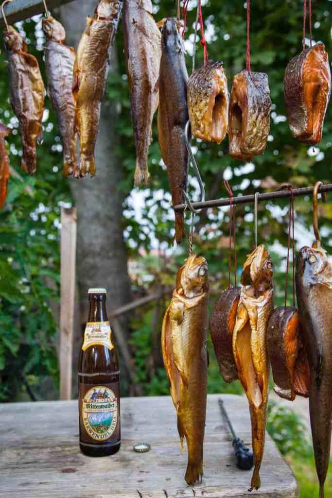 Mittenwalder Bier und geräucherte Forellen