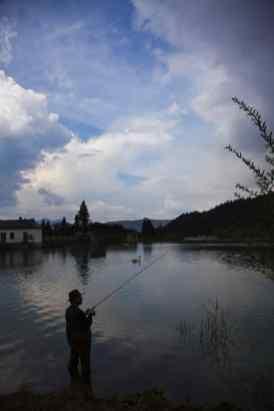 Angler am Isarstausee