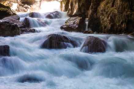tosendes Wasser in der Partnachklamm